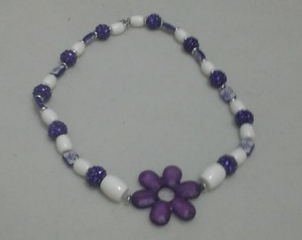 The lovely flower necklace