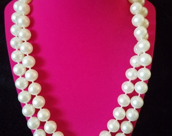 Truly Vintage Costume Jewelry - Retro 1960's Chic and Sophisticated Large Pearl Bead Long Necklace with Clasp