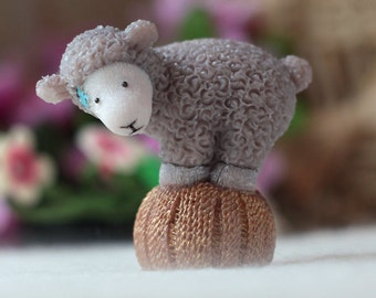 Funny Soap Sheep Statue - Animal Lover Gift - Birthday Present - Gift For Brother - Grape Seed Oil - Avocado Oil