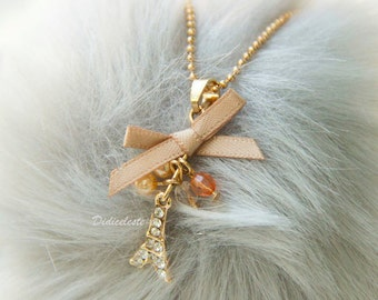 Vintage Eiffel Tower necklace