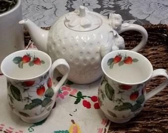 Strawberry white Tea pot with tea cups England