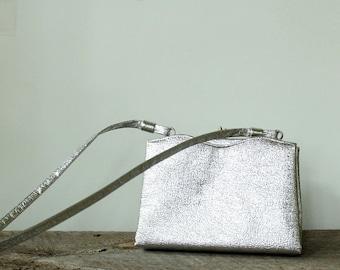 small silver purse with shoulder strap . metallic silver foil purse . wedding purse . 60s evening bag