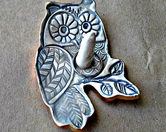 Ceramic Owl Ring Holder Bowl Taupe gray edged in gold