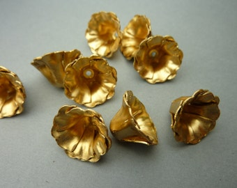 6 Brass Flowers with Six Petals - Larger Version