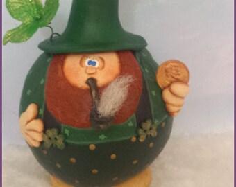 LEPRECHAUN hand painted dipper gourd elf Irish gnome lucky shamrock St Patricks Day penny pipe teamhaha ofg prim chick lisa robinson