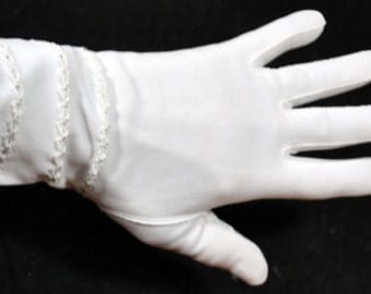 Vintage White Gloves with Embroidery