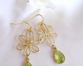 Green Earrings,  Gold Flower Earrings, Petal, Dainty Teardrop, Botanical, Bridesmaid Earrings, Wedding Jewelry.