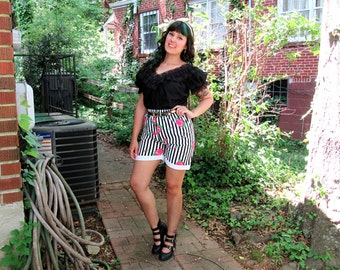 1980s Vintage Black and White Striped Shorts High Waist Shorts Elastic Waist Hot Pink Rose Print Mod Shorts Size Small