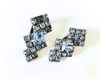 Vintage 1950s Ice Blue Clip On Earrings 50s Baby Blue Faceted Rhinestones Art Deco Style Super Sparkly Silver Tone Findings