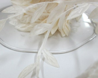 10 Yards White Leaves - SALE