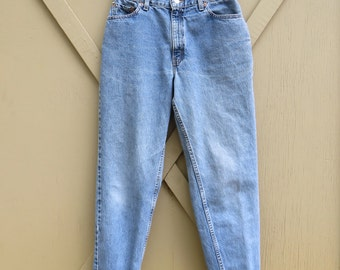 80s vintage Levi's 550 High Waist Relaxed Fit Tapered Leg Jeans / made in the U.S.A.