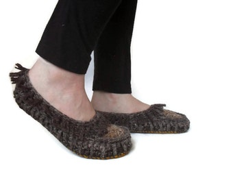 Low Rider Moccasins Crochet Hemp Wool Multicolored Earth Tones slipper hippy slippers ready to ship