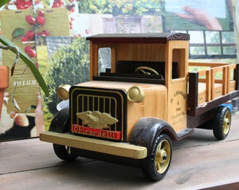 Vintage Wood Ghiradelli Candy Toy Display Truck