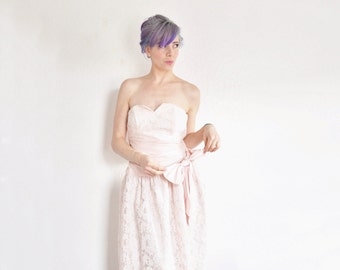 pastel pink 1980 dress . lace sweetheart bust and BOW .medium