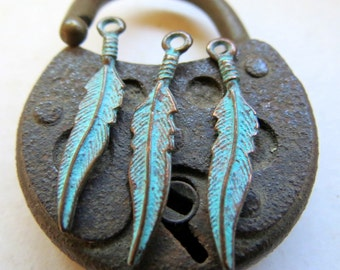 NEW Mykonos FLOWING FEATHERS . 25 mm . 5 pieces . Greek Charms