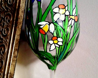 Hand-Painted Wine Glass - Lilacs & Daffodils
