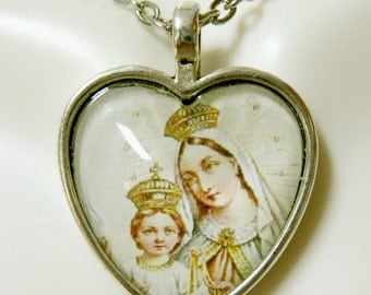 Our Lady of Mount Carmel heart pendant and chain - AP40-006