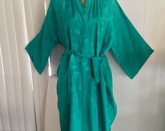 Sale Gorgeous Vintage Green Asian Dressing Gown Robe -- Embroidered - Size M-L
