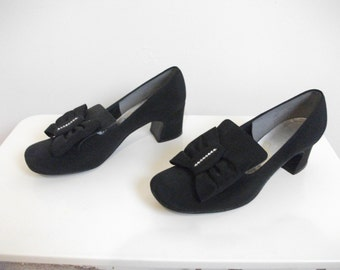 Swinging 60s Black Fabric Pilgram Loafers, Size 6.5