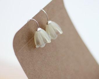 Ivory flower earrings, glass flower earrings, cream flower earrings, sterling flower earrings, ivory glass flowers, gift for flower girl