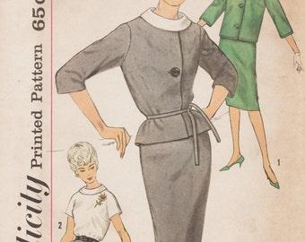 Simplicity 4111 / Vintage 1960s Sewing Pattern / Skirt Jacket Blouse Suit / Size 14 Bust 34
