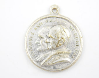 Vintage Pope Joannes XXIII - Pope VI Catholic Medal - Religious Charm - Our Lady of Perpetual Help Medallion - W59