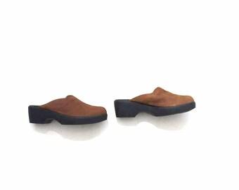 Vintage Leather Mules 9 / Brown Leather Mules / Minimal Slip Ons
