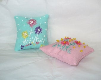 Embroidered Pin Cushion, Hand Made Pin Pillow, Abstract Flowers with French Knots Flower Garden