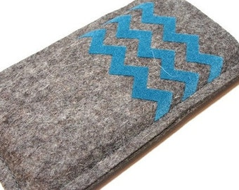 iPhone 5 / 5S / 5C felt sleeve with chevron pattern