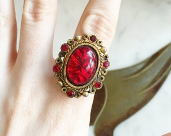 Vintage 50s 60s Big Ring Glass Intaglio Red Gold Brass