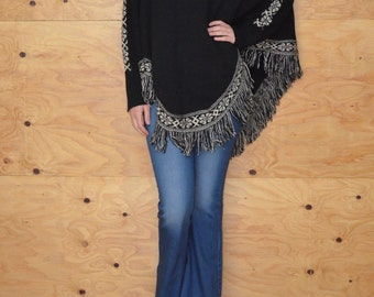 Vintage 80's Knit Poncho Shawl Woven In Black Fringe At Hem Arm Holes One Size