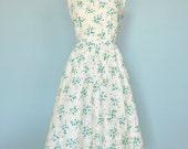 Vintage 1950s Day Dress...PAT PERKINS Cotton Floral Print Daydress