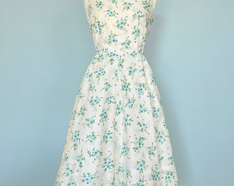 Vintage 1950s Day Dress...PAT PERKINS Cotton Floral Print Daydress
