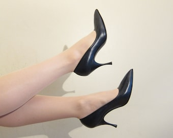 Vintage 1950s Pointy Toe Pumps Black Leather / 50s High Heel Party Shoes Herbert Levine for Joseph / Size 8