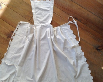 Antique French VTG white cotton scallop apron