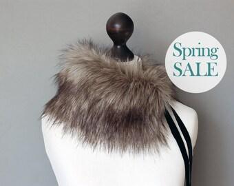 SALE 10% OFF Grey beige faux fur collar. Winter neck warmer. Fur scarf. Buy faux fur collar