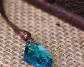 Aetheryte Shard Crystal Pendant with Chain - Unisex - FFXIV Inspired