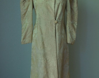 1940s Silk Brocade Full Length Fitted Coat // Fully Lined // Pleated Puffy Sleeves // Elegant