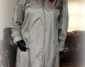 Fabulous Vintage Silver Gray Shiny Raincoat Ladies / Trench Coat Size 8 10 12 Medium Large / M L XL