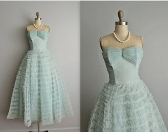 50's Prom Dress / Vintage 1950's Strapless Shelf Bust Aqua Tulle Prom Wedding Party Cupcake Dress XS