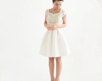 Off-white silk taffeta full short wedding skirt with pleats and pockets // bridal separates // custom length wedding skirt // Tiina Skirt