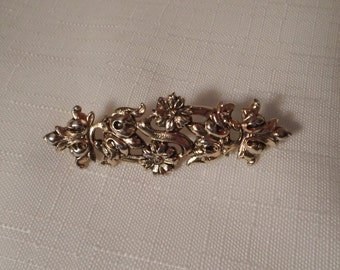FLOWER BAR PIN / Gold Floral Brooch / Art Moderne / Modernist / Mid-Century Modern / Fashionista / Shabby Chic / Retro / Classic / Accessory