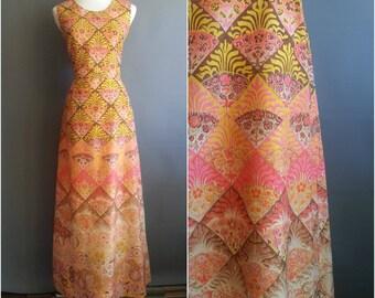 1970s art nouveau border print maxi dress, maxidress, art nouveau print, border print dress, 1970s dress, 1970s maxi dress, 1970s maxidress