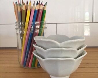 White lotus dipping bowls set of 3