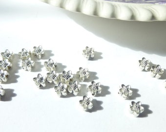 18 Shiny Silver Cute Little Flower Spacer Beads 5mm