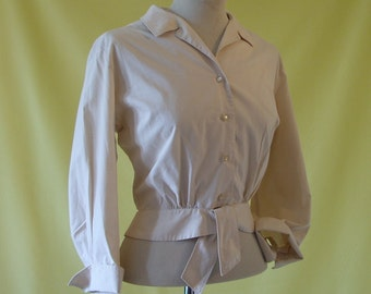 1950s Blouse / 50s Shirt Jacket Top / Beige Cotton Blouson / Pin Tucks / Tie Front Peplum / Macshore Classics/ S Small