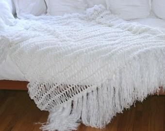 White Modern Bedding Throw Home Decor Blanket. Throw White Blanket Modern Rustic White Afghan Fringe Blanket