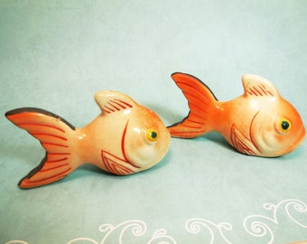 Vintage Ceramic Goldfish Salt and Pepper Shakers, Japan, 1950's home decor