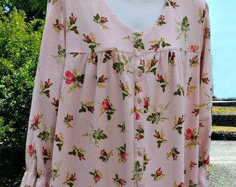 Ladies vintage cotton nightgown by Crabtree & Evelyn, size Small in pale pink with roses
