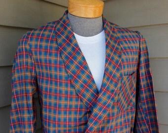 vintage 1960's -Sea Island 'Treasurobe'- Men's bath robe. Tartan style plaid - Crisp & vibrant. Small - 36/38